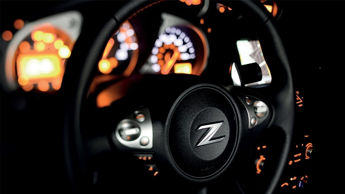 Nissan 370Z Roadster Diamond Black - Zijaanzicht