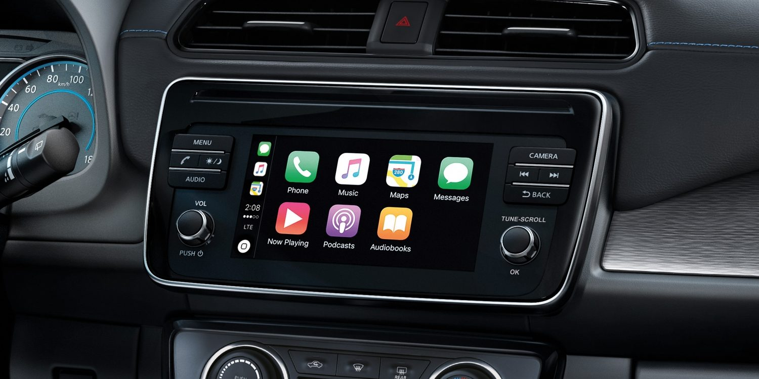 Nissan LEAF navigation screen showing apple carplay