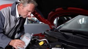 Nissan - Maintenance and repair - Genuil oil and fluids