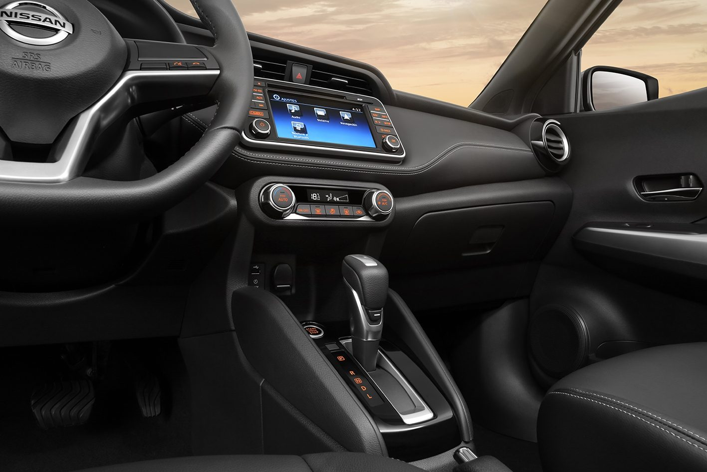 Nissan Kicks tablero interior