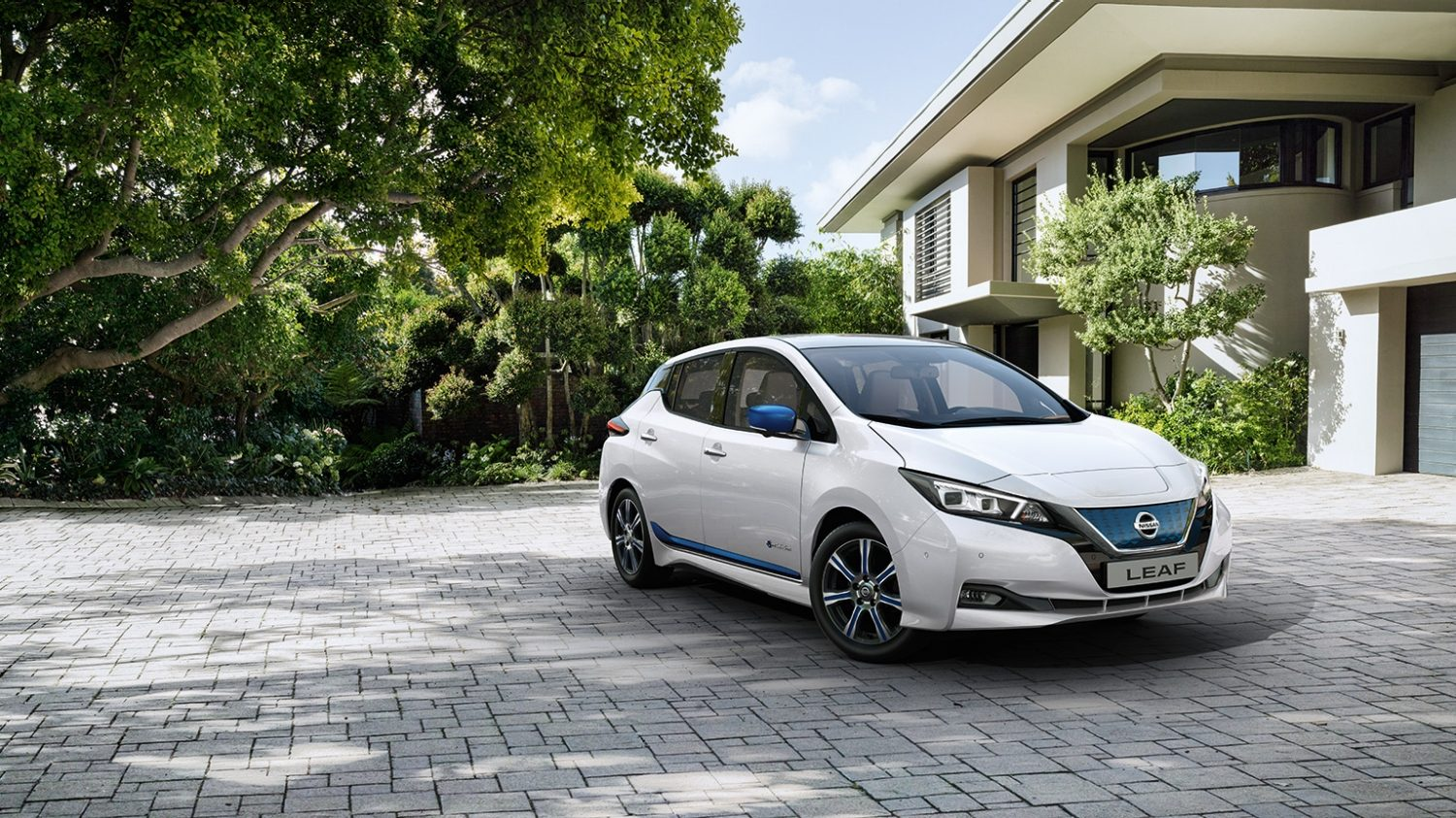 autonomie recharge nissan leaf v hicule lectrique nissan. Black Bedroom Furniture Sets. Home Design Ideas