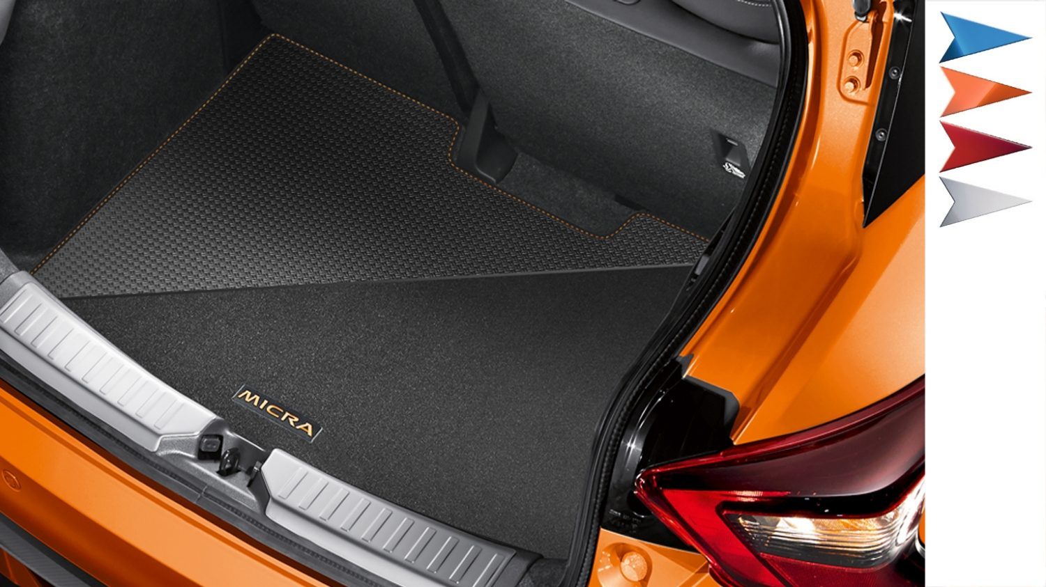 NISSAN MICRA Design Studio Kofferraummatte, wendbar aus Velours und Gummi, in Energy Orange
