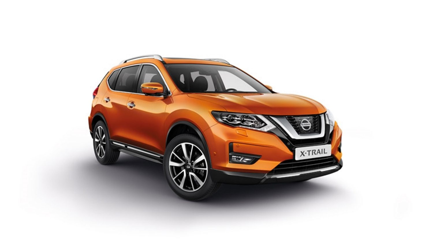 Nissan X-TRAIL, plano frontal 3/4