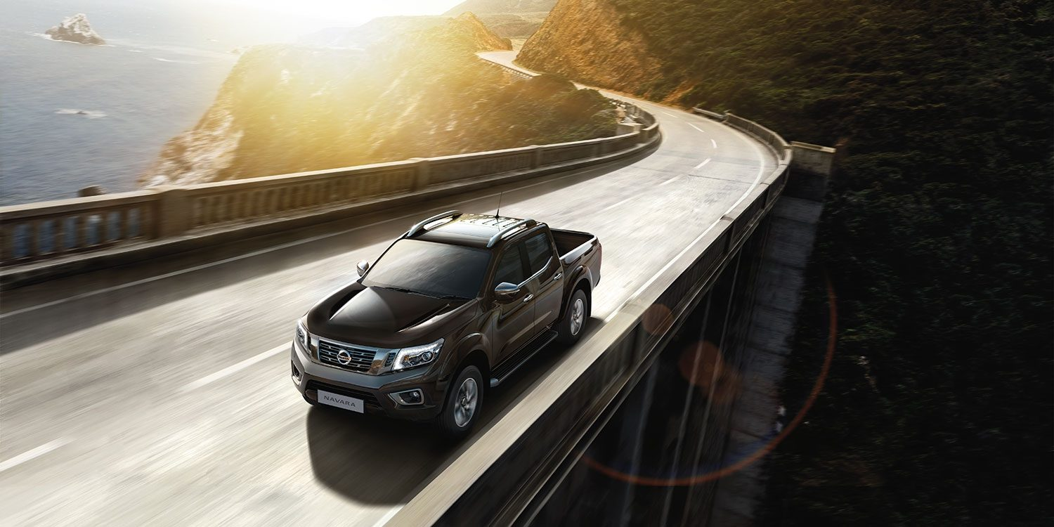 Nissan Navara - 3/4 front action view on bridge