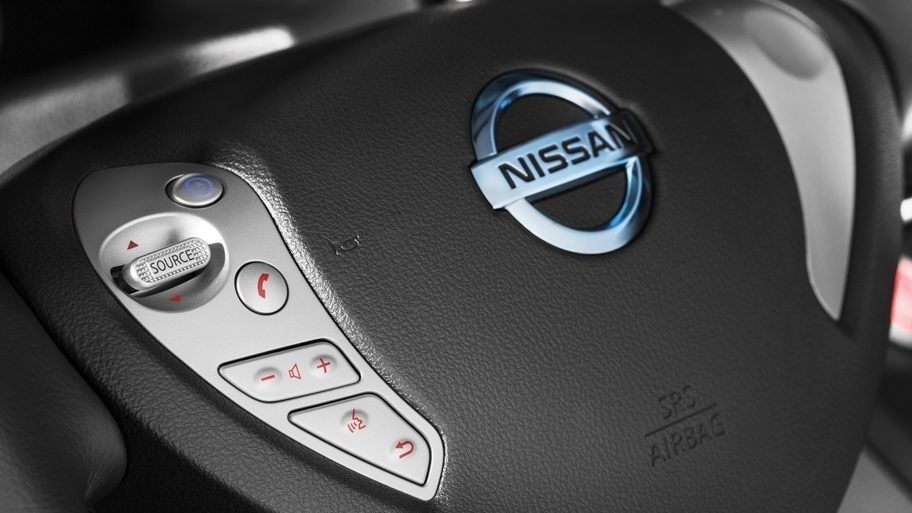 Nissan e-NV200 | Combi | Electric vehicle steering wheel