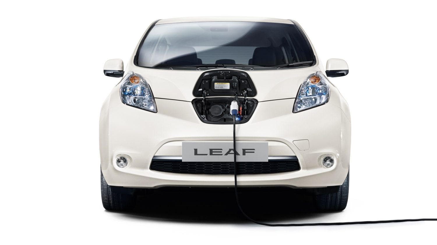 charging range nissan leaf electric car nissan. Black Bedroom Furniture Sets. Home Design Ideas