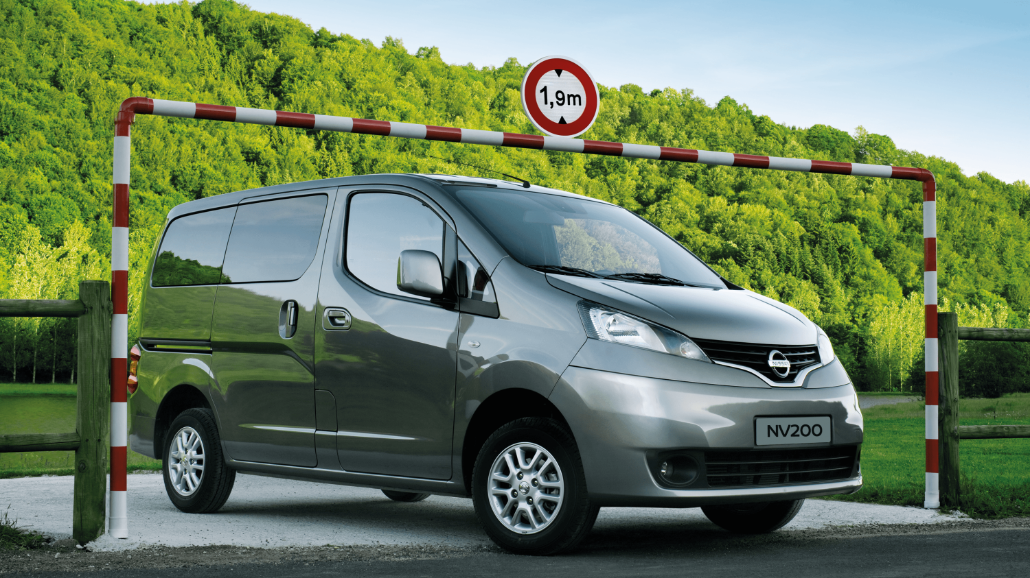 Combi | Nissan NV200 | Vehicle height