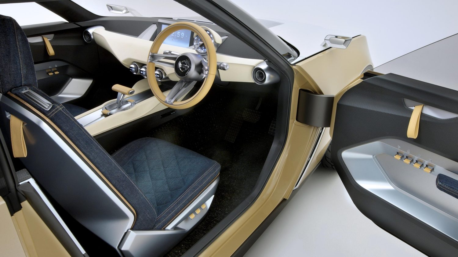 Nissan IDX Freeflow Concept. Gallery driver-side open door.