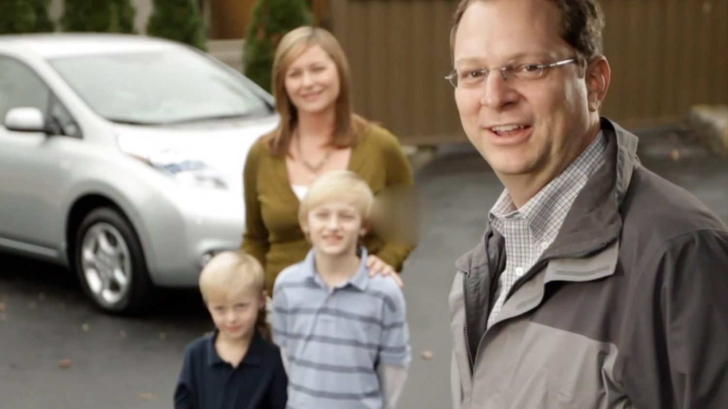 Nissan LEAF with family