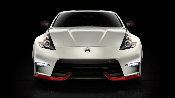 370Z NISMO straight front.