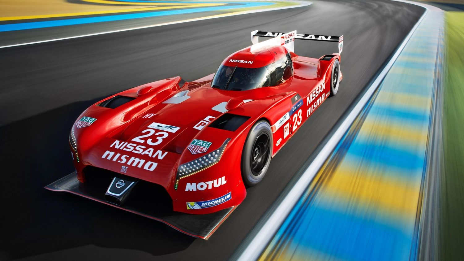 GT-R LM NISMO. Gallery front on the track.