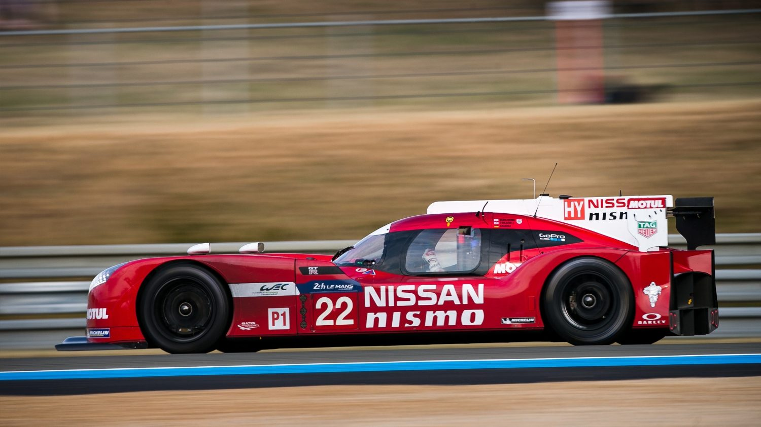 GT-R LM NISMO. Gallery profile on the track..