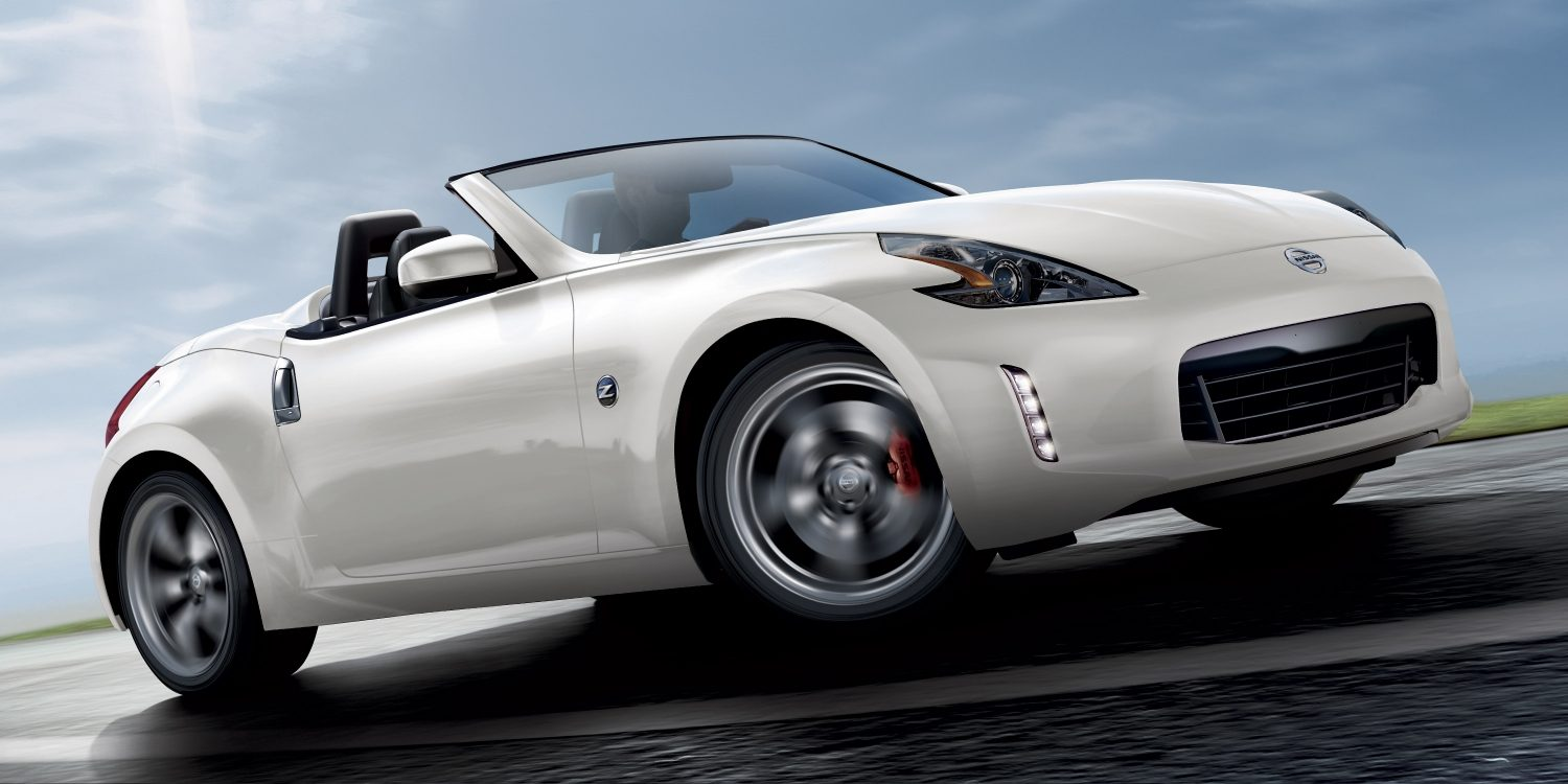 touring review sport roadster reviews auto nissan convertible canadian canada
