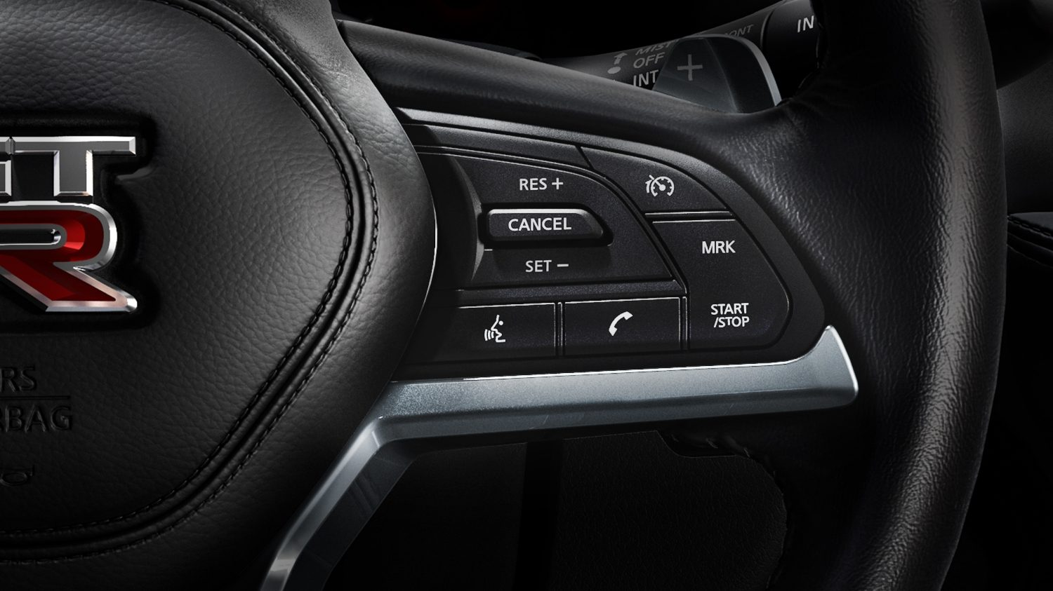 Nissan GT-R steering wheel bluetooth controls