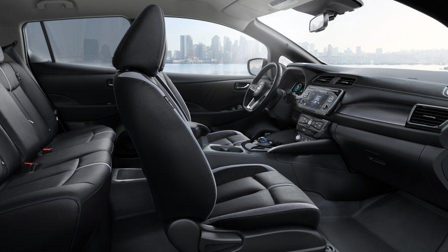 Nieuwe Nissan LEAF interieur zijaanzicht