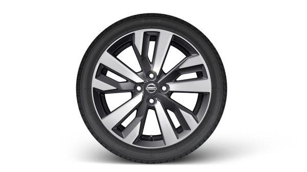 """Nissan Micra aluminijski naplatci 17"""" sa središnjom kapicom"""