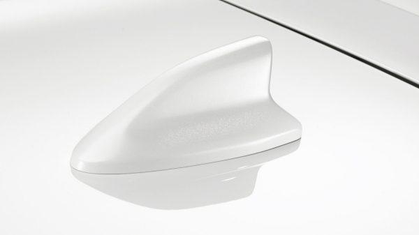 Nissan Micra antena shark bijela Glaze