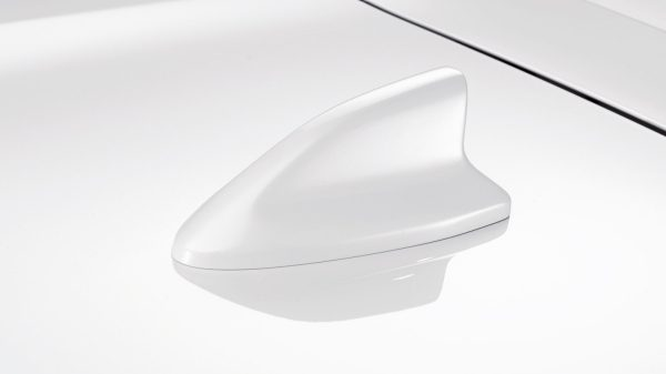 Nissan Micra antena shark bijela Solid