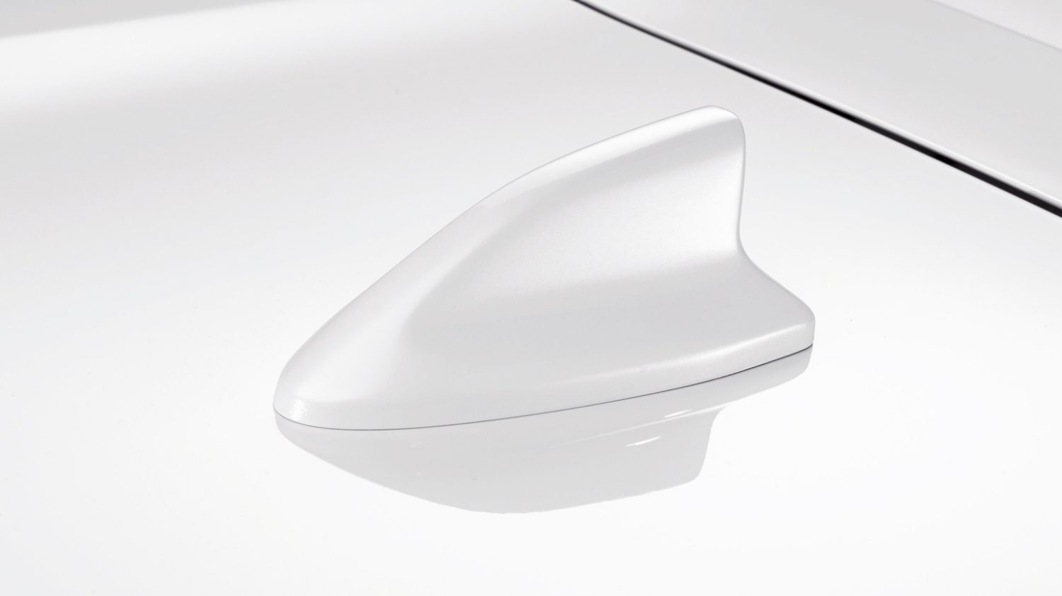 Antenna Shark Solid White Nissan MICRA