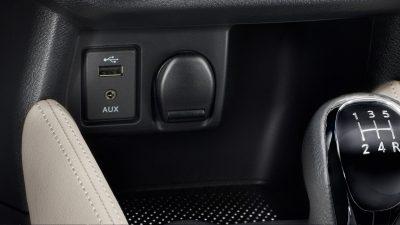 Vadonatúj Nissan Micra USB- és töltőaljzatok