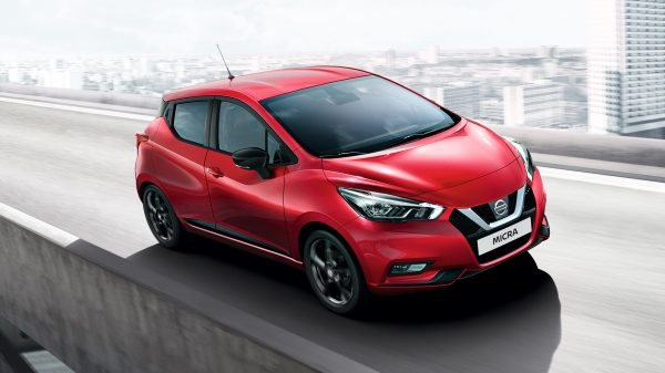 Nouvelle Nissan MICRA circulant en ville