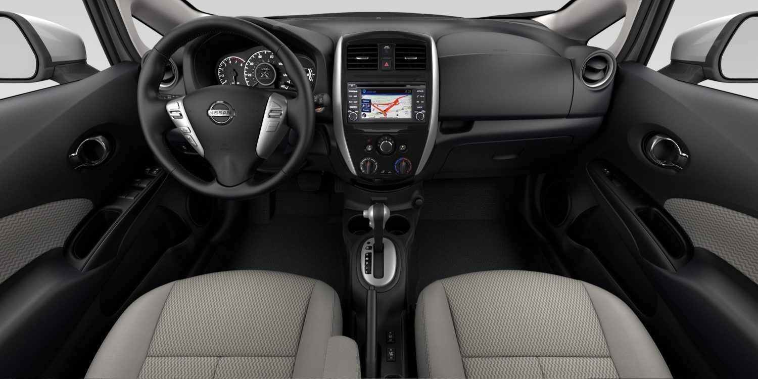 Interior de Nissan Versa Note en tela  de color Wheat Stone - SL