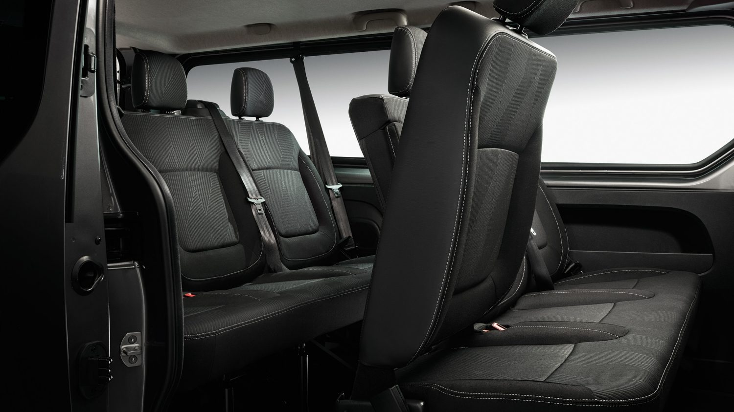 design nissan nv300 commercial van nissan. Black Bedroom Furniture Sets. Home Design Ideas