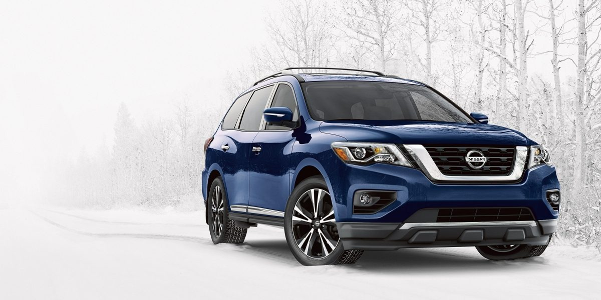 Nissan Pathfinder in the snow