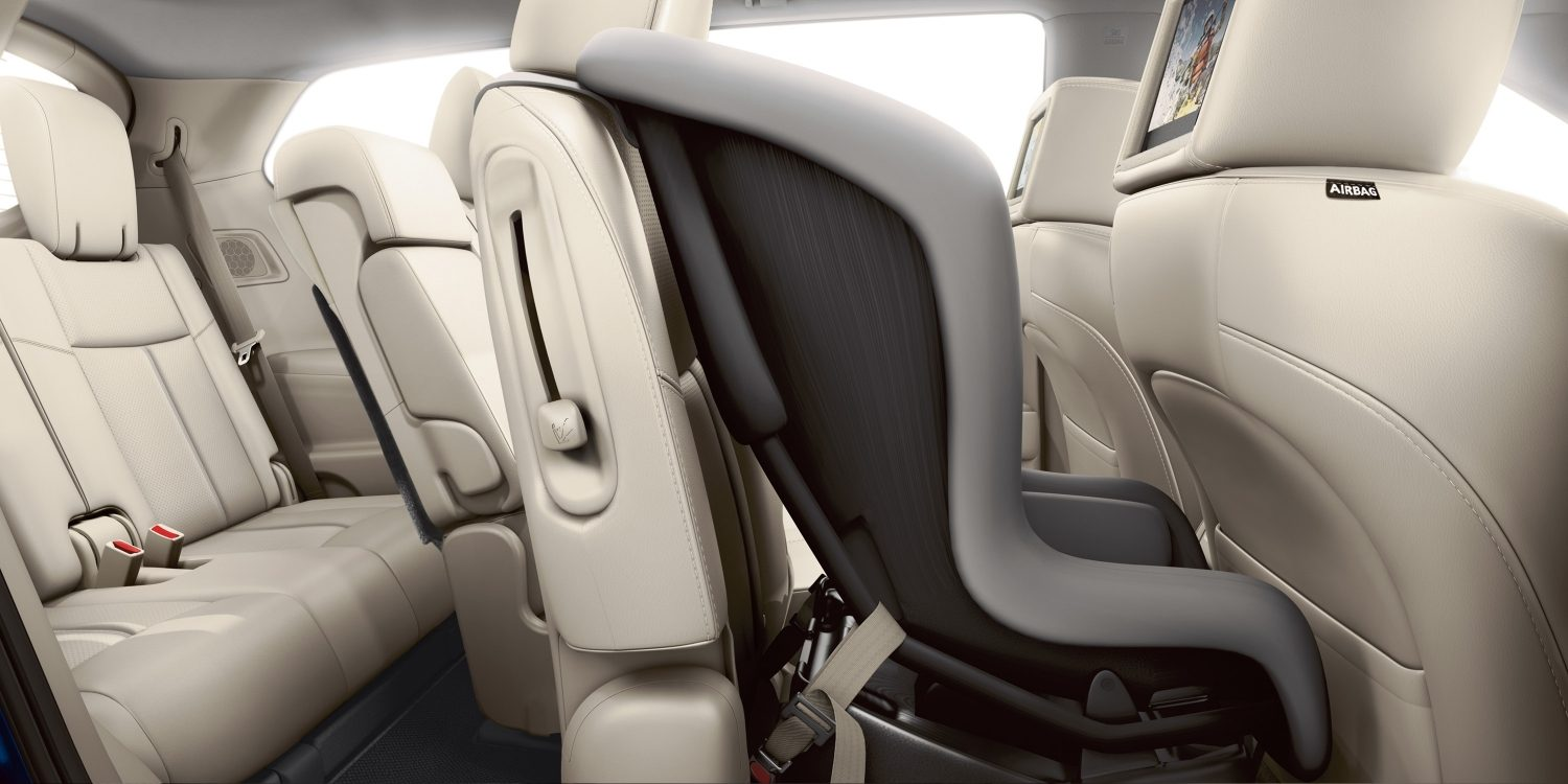 Nissan Pathfinder EZ-flex seating system with child seat in place