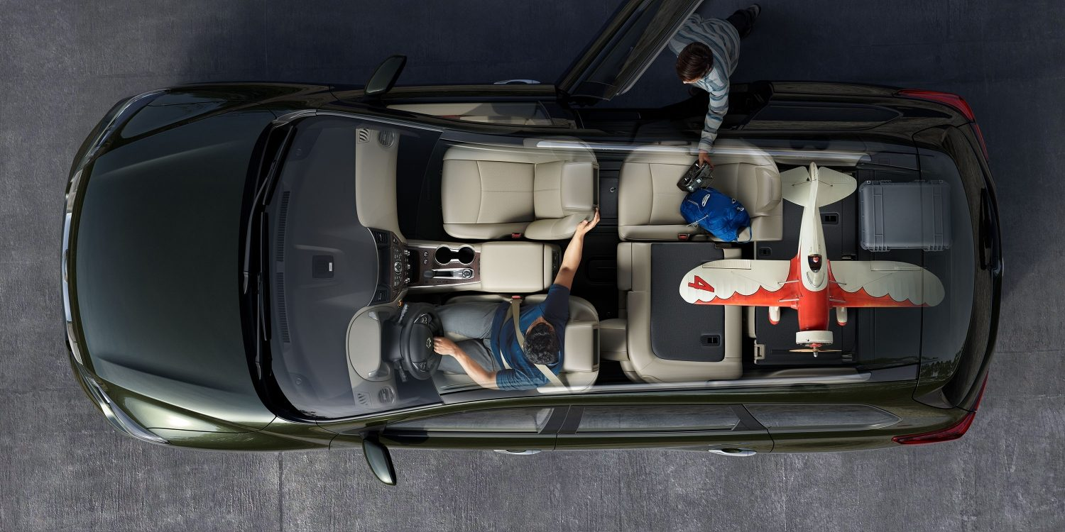 Nissan Pathfinder interior seating configuration showing 60/40 split rear seats