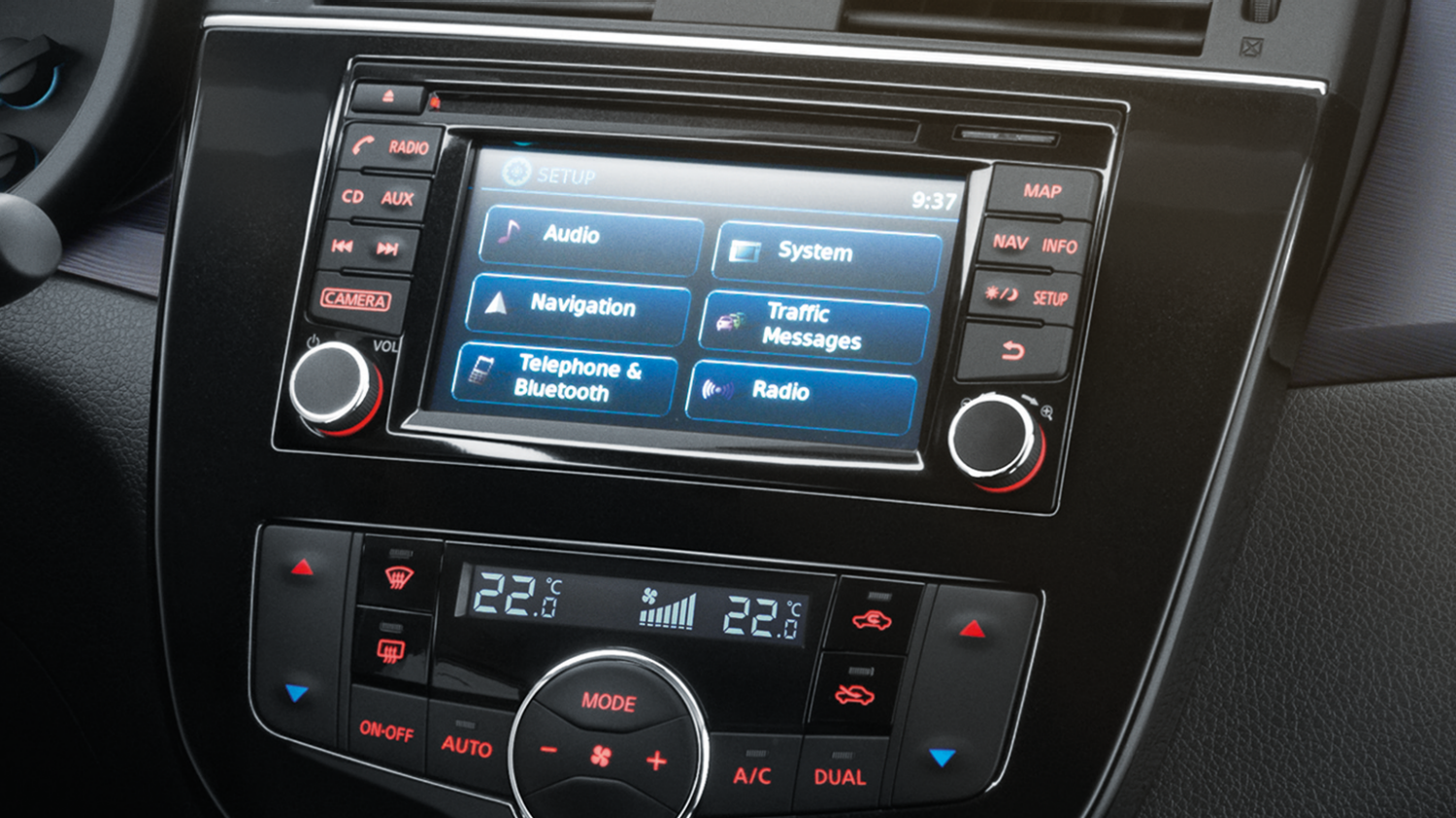 Nissan PULSAR berlina - Touch screen a colori da 5,8""