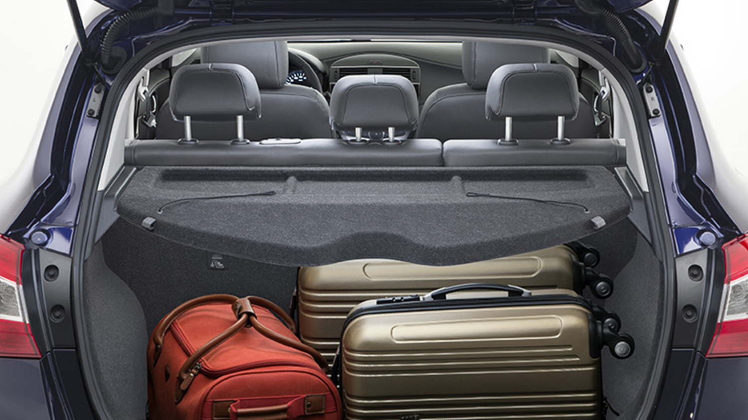Nissan Pulsar – Hatchback | Storage space