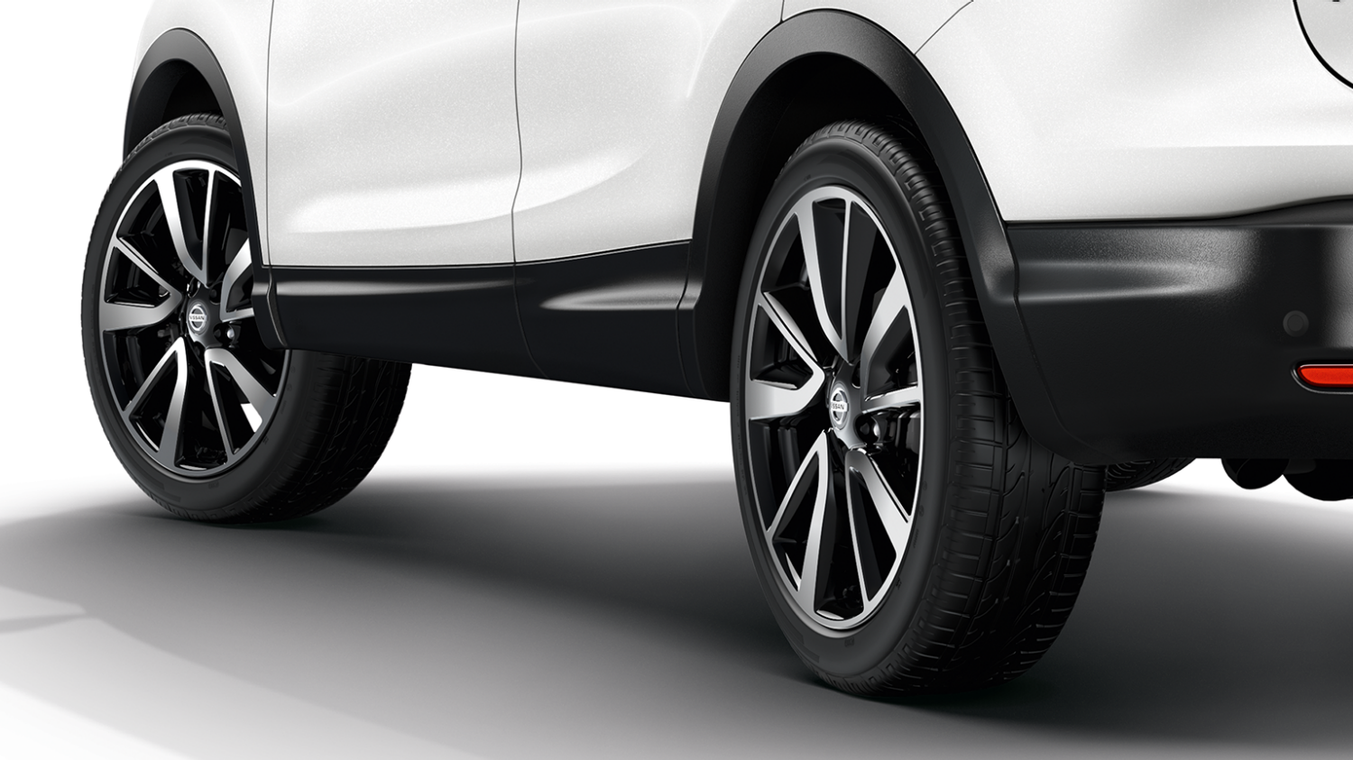 Small SUV design - Split-spoke alloy wheels | Nissan Qashqai