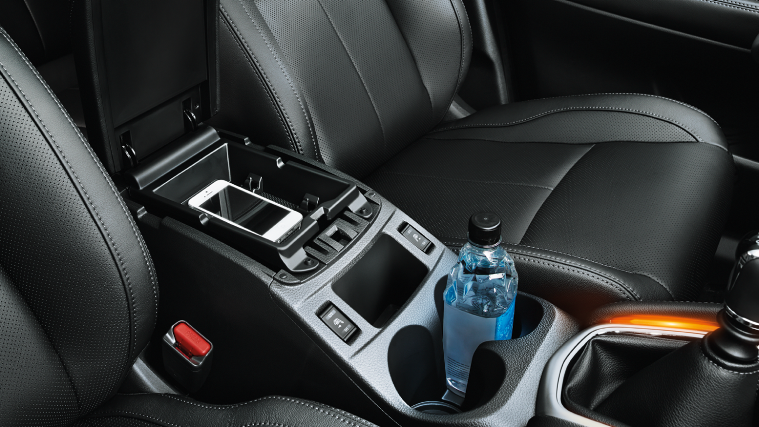 Small SUV features - Centre console | Nissan Qashqai