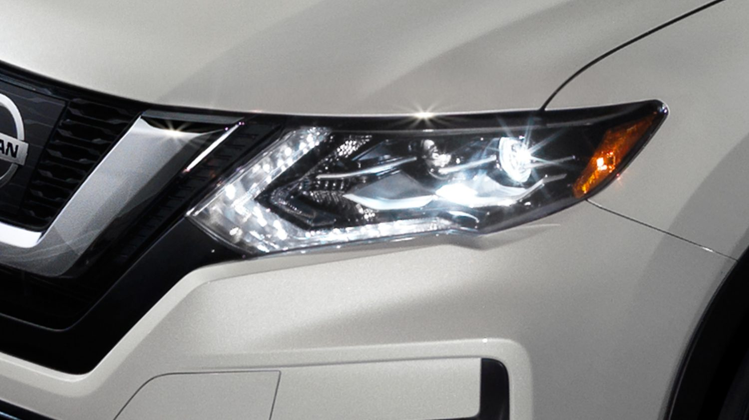Luces delanteras en LED de Nissan Rogue