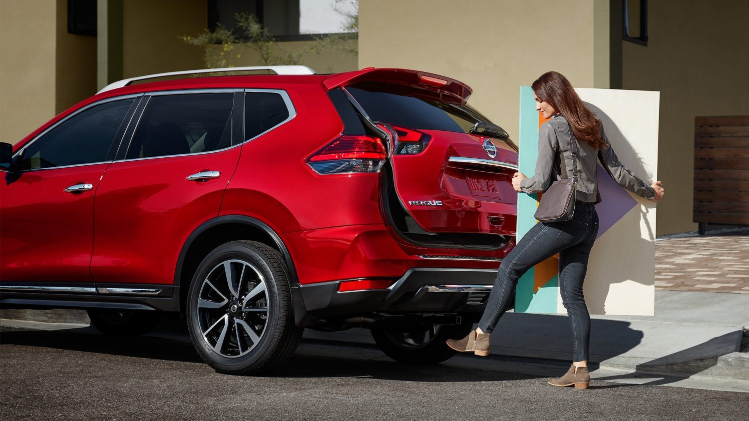 Nissan Rogue motion-activated liftgate