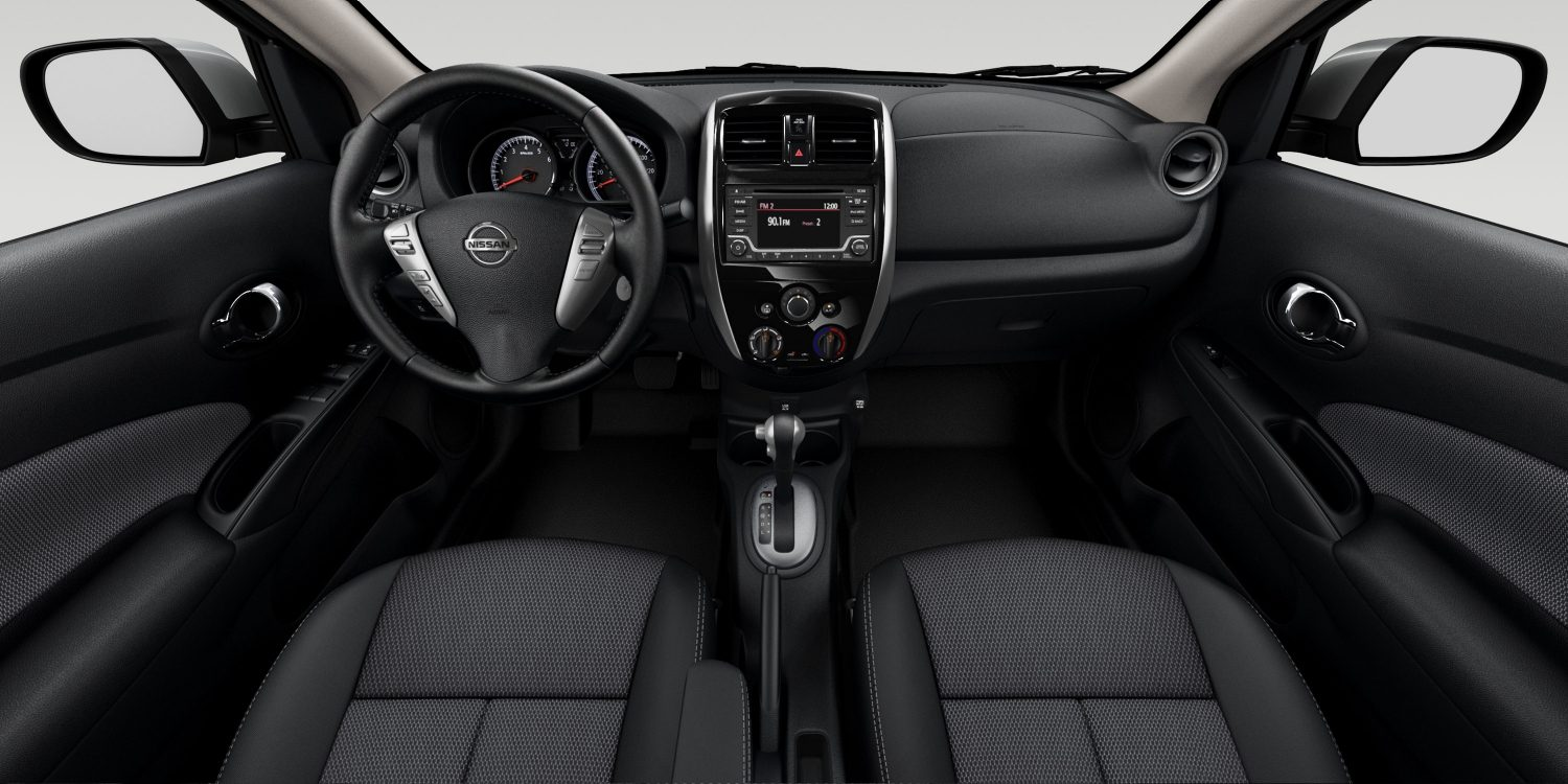 Nissan Versa steering wheel and navigation system