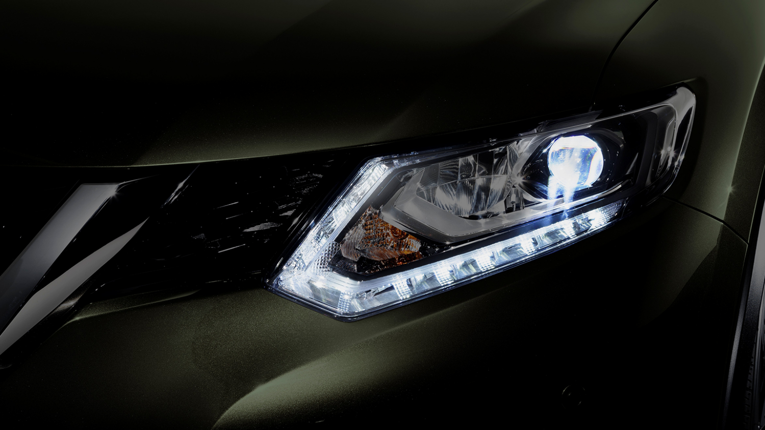 7 seater & 4x4 car design - LED lights | Nissan X-Trail