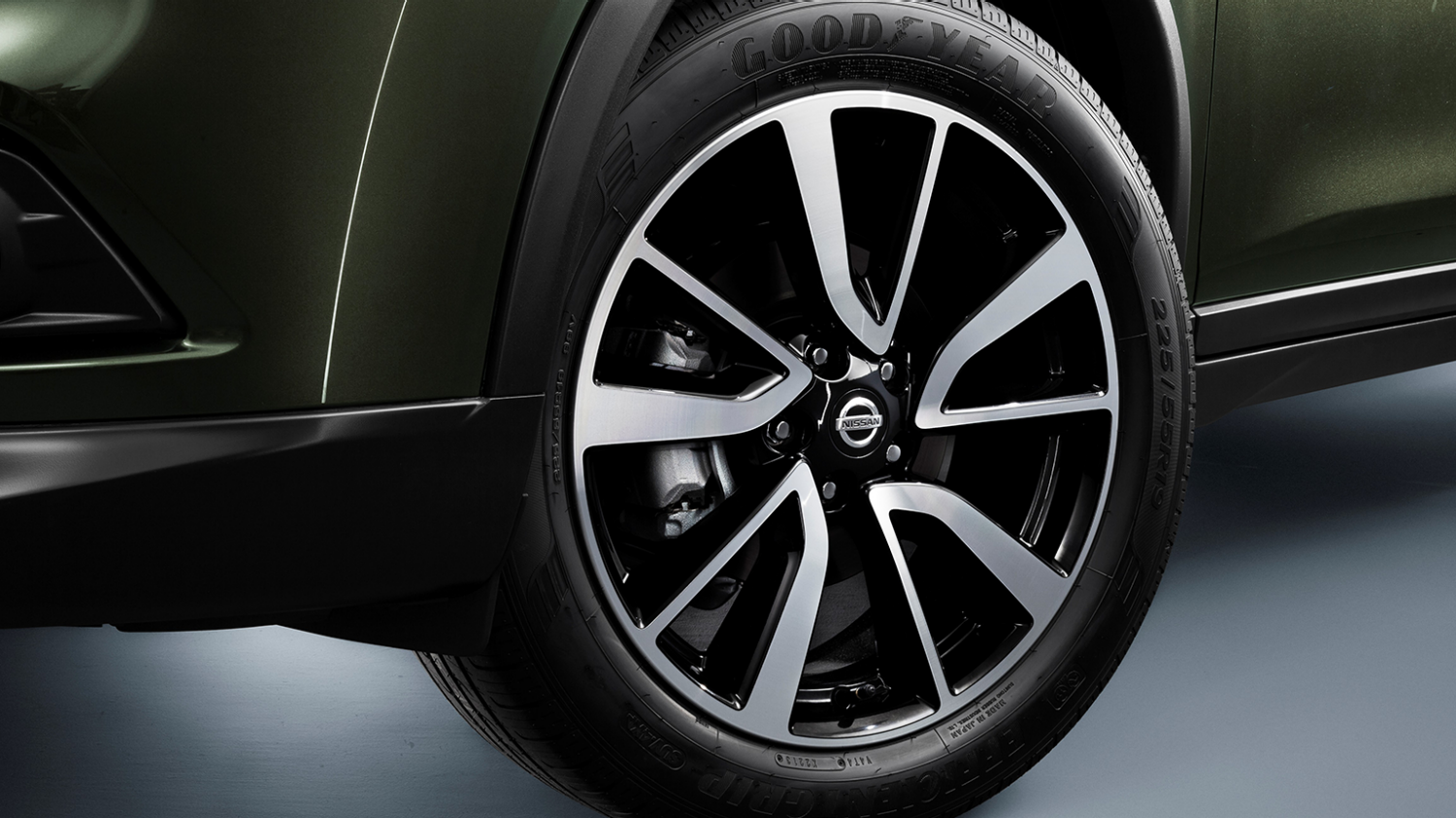 7 seater & 4x4 car design - 19'' alloy wheels | Nissan X-Trail