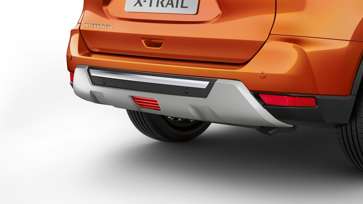 Placa embellecedora trasera del X-Trail