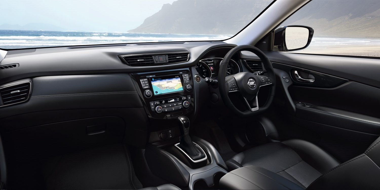 X-Trail interior