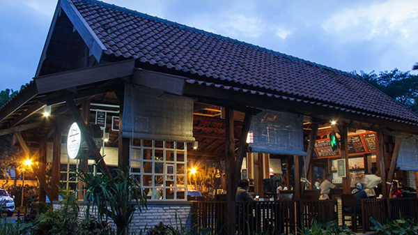 Bataputi Coffee House - Malang