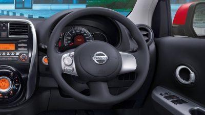 interior mobil nissan march terbaru