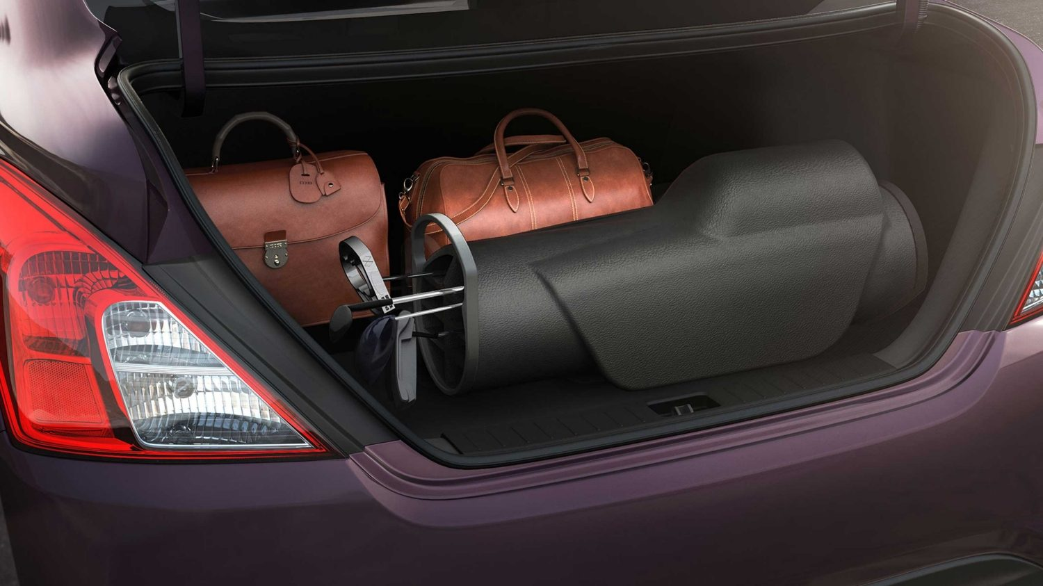 Nissan Sunny boot space
