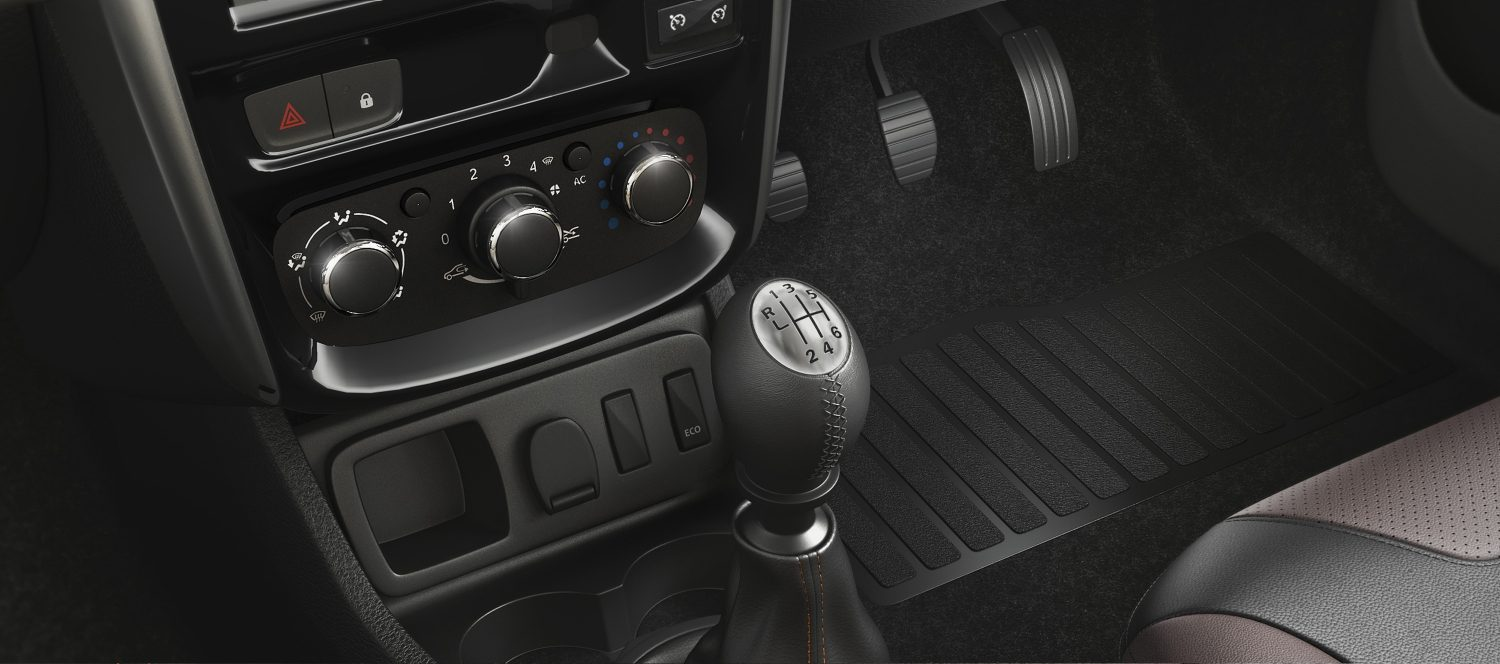 Manual transmission gear shifter