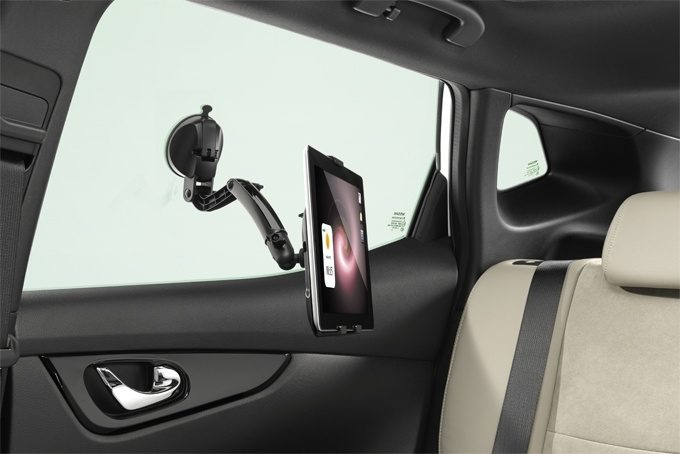 Nissan Note - Interior - SUPPORTO UNIVERSALE PER TABLET