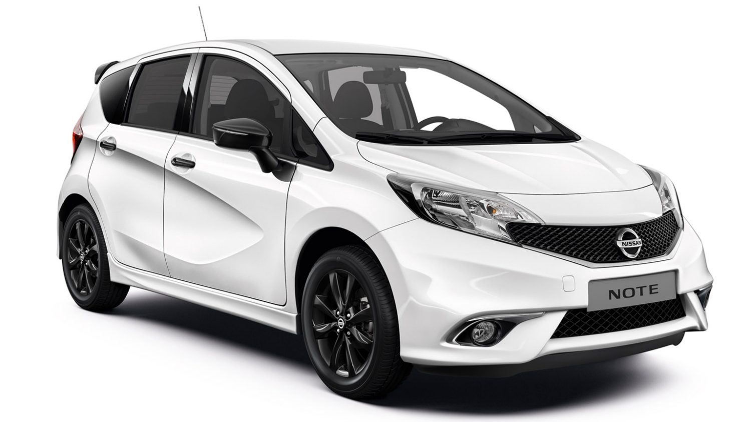 Nissan Note Black edition - 3/4 front view