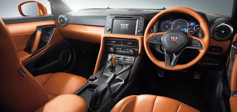 GT-Rの車内