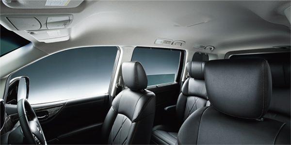 頭上空間をさらに拡大。どこに座ってもゆったり乗れる、余裕の室内空間