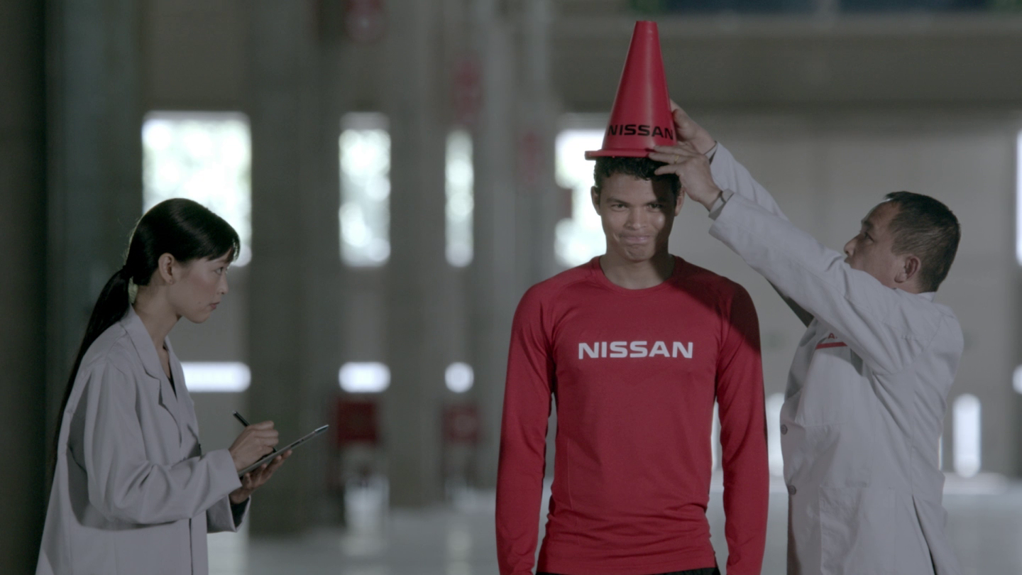 Experience Nissan - Iniesta and cone